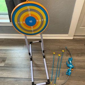 Discovery Kids Play Bow & Arrow Target Set